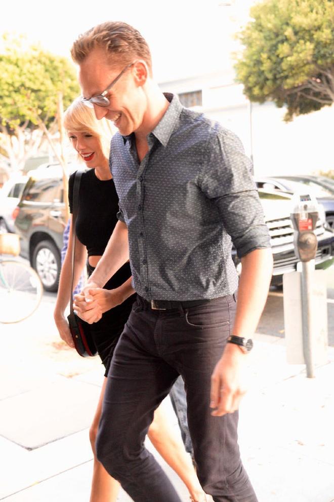 'Loki' va Taylor Swift tay trong tay sau nghi van ran nut hinh anh 4