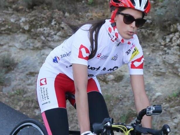 Hoa hau Phap 2016 bi tai nan khi tham gia Tour de France hinh anh 2