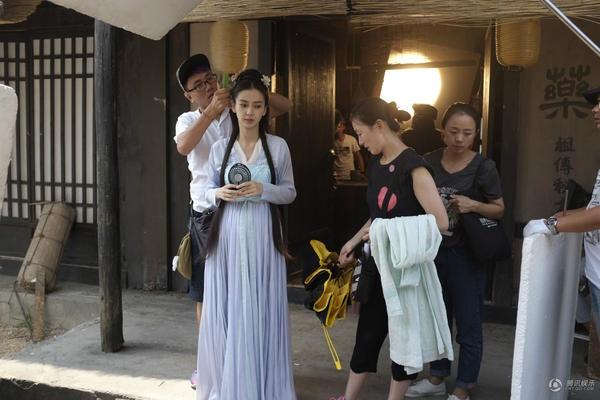 Phim cua Angelababy, Chung Han Luong quay voi vang hinh anh 6