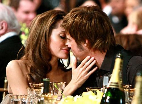 Angelina Jolie - Brad Pitt: 12 nam thien tinh su Hollywood hinh anh 7