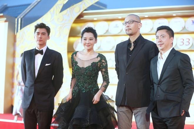 Angelababy duoc Huynh Hieu Minh thap tung tren tham do hinh anh 6