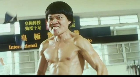 Doi sao phim Chau Tinh Tri dong phim nong, song voi 2 bo nhi hinh anh