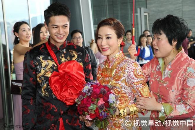 Hoa dan TVB Duong Di deo vang triu tay trong ngay cuoi hinh anh 5