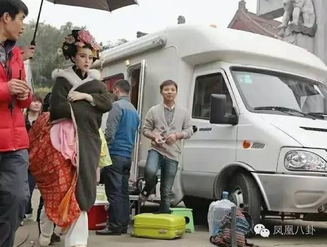 Xe sang nhu khach san tai phim truong cua Chau Tan anh 13