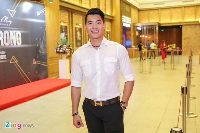 Ma Duc Chung chuc mung Khanh My anh 8