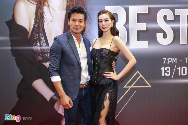 Ma Duc Chung chuc mung Khanh My anh 4