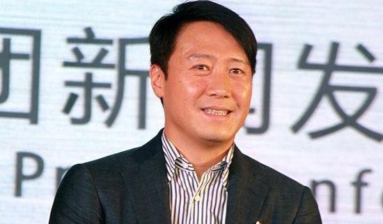 'Tu dai thien vuong' Le Minh: Tuoi 50 gia nua va co doc hinh anh