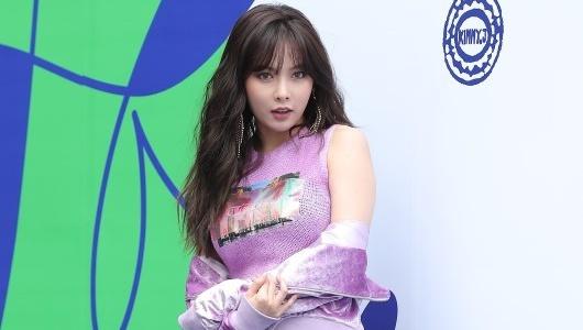 Sao Han chuong phong cach ca tinh o Seoul Fashion Week hinh anh