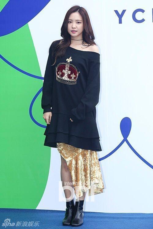 Sao Han chuong phong cach ca tinh o Seoul Fashion Week hinh anh 11