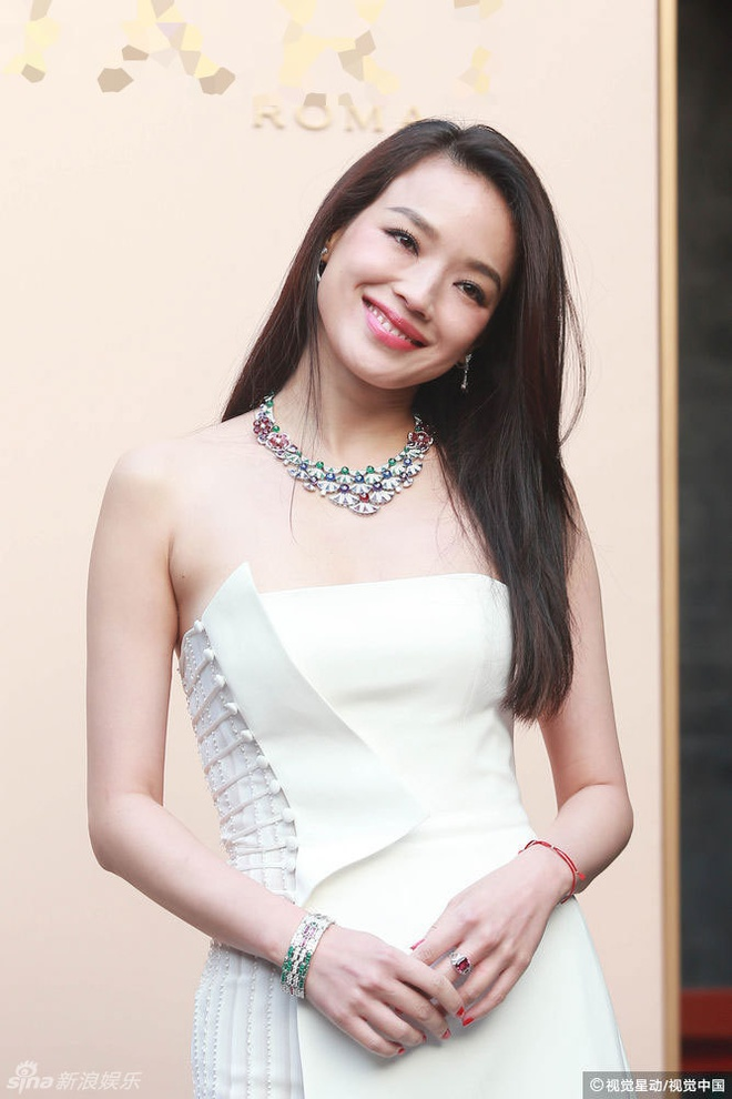 Thu Ky goi cam hon sau khi cuoi Phung Duc Luan hinh anh 1