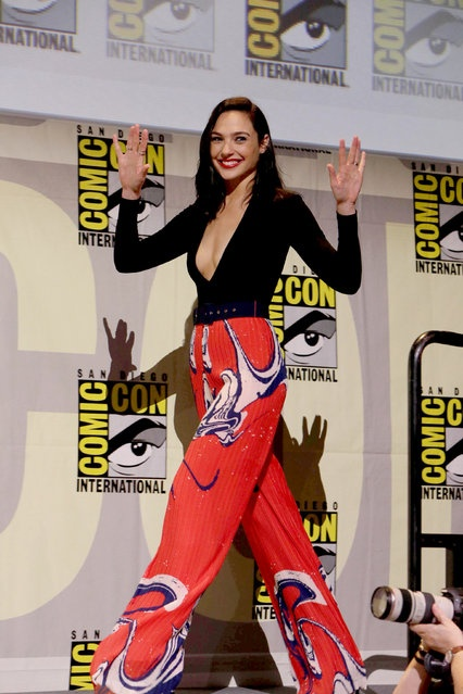 10 chiec vay dep nhat cua my nhan 'Wonder Woman' hinh anh 9