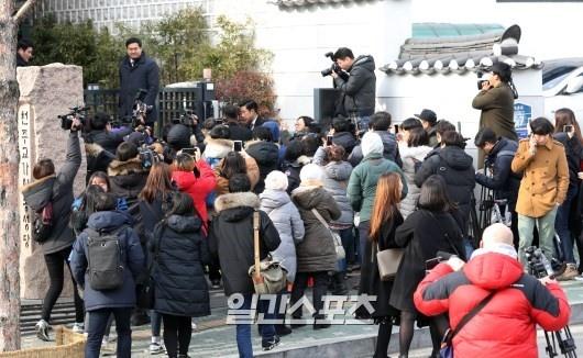 Anh hiem hoi cua Kim Tae Hee - Bi Rain trong le cuoi hinh anh 13