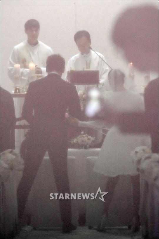 Anh hiem hoi cua Kim Tae Hee - Bi Rain trong le cuoi hinh anh 6