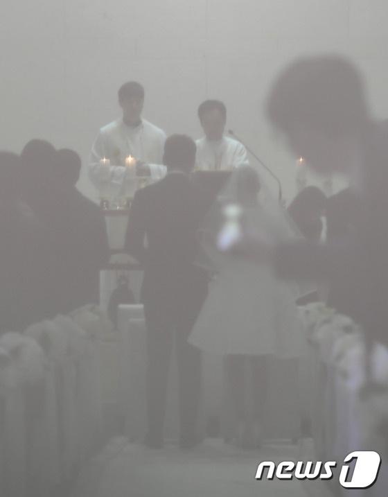 Anh hiem hoi cua Kim Tae Hee - Bi Rain trong le cuoi hinh anh 4
