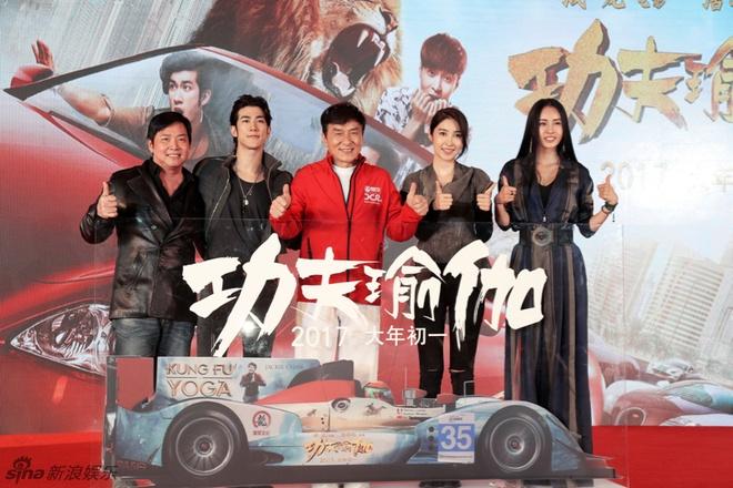 E-kip Thanh Long pha huy xe cua hoang tu Dubai va 70 sieu xe hinh anh 2