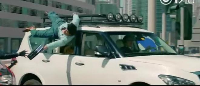 E-kip Thanh Long pha huy xe cua hoang tu Dubai va 70 sieu xe hinh anh 11