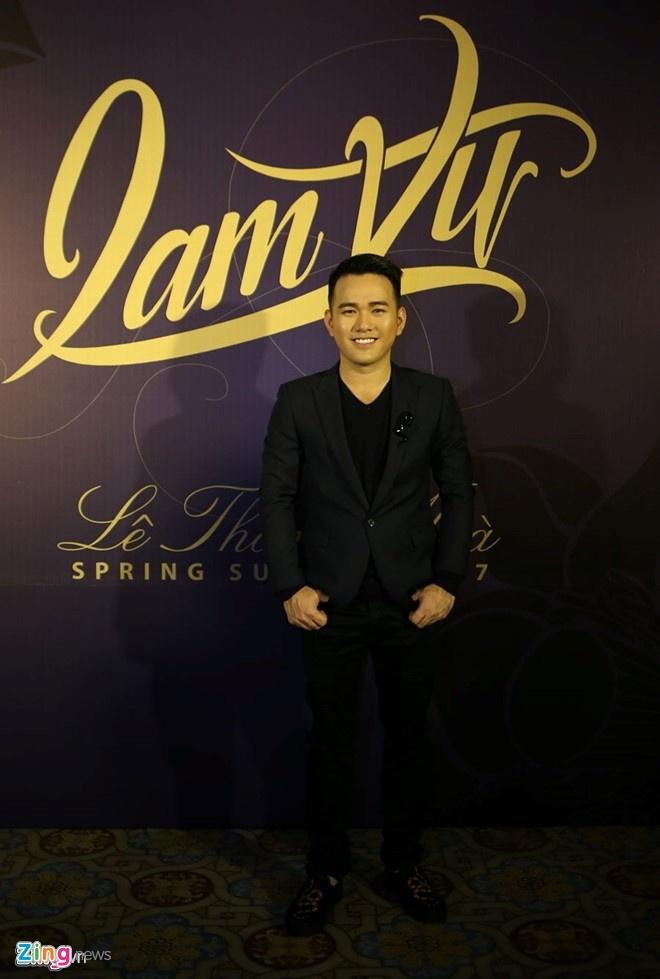 My nhan Viet mac goi cam tren tham do show thoi trang hinh anh 12