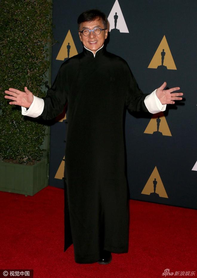 Sao Hollywood te tuu tren tham do Oscar ton vinh Thanh Long hinh anh 1