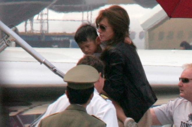 Angelina Jolie khong giu loi hua dua voi Pax Thien anh 1