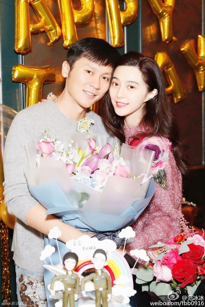 Pham Bang Bang to chuc sinh nhat cho Ly Than hinh anh 1