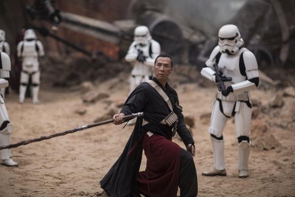 Chan Tu Dan duoc tung ho du dien vai vo vi trong 'Star Wars' hinh anh 2