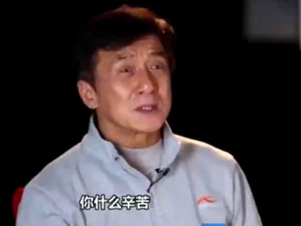Thanh Long mang dan em tren truyen hinh hinh anh 1