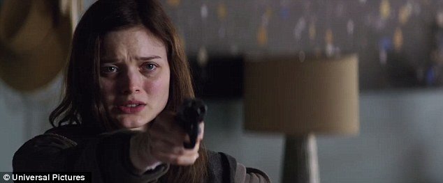 Dakota Johnson tao bao hon trong trailer moi '50 sac thai' hinh anh 2