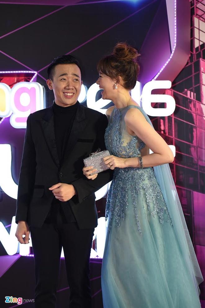 Hari Won mac goi cam, nam chat tay Tran Thanh tai ZMA hinh anh 4