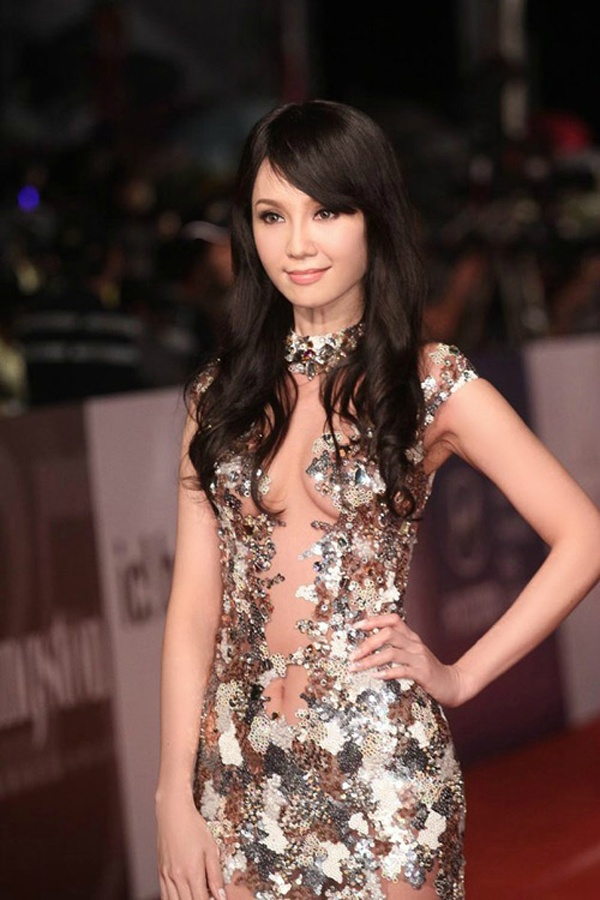 Helen Thanh Dao: '18 nam, toi va chong khong ngu chung' hinh anh 3