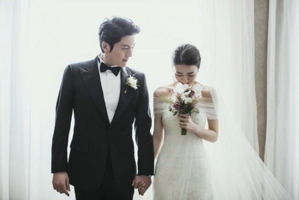 Park Ha Sun cuoi Ryu Soo Young anh 4