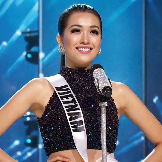 Ban ket Miss Universe: Le Hang noi bat voi quoc phuc la hinh anh 1