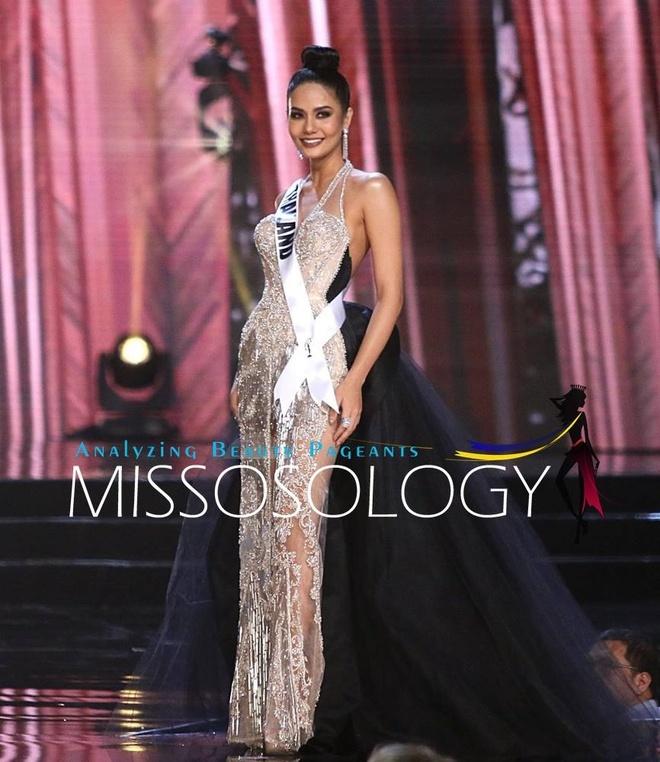 Ban ket Miss Universe: Le Hang noi bat voi quoc phuc la hinh anh 9