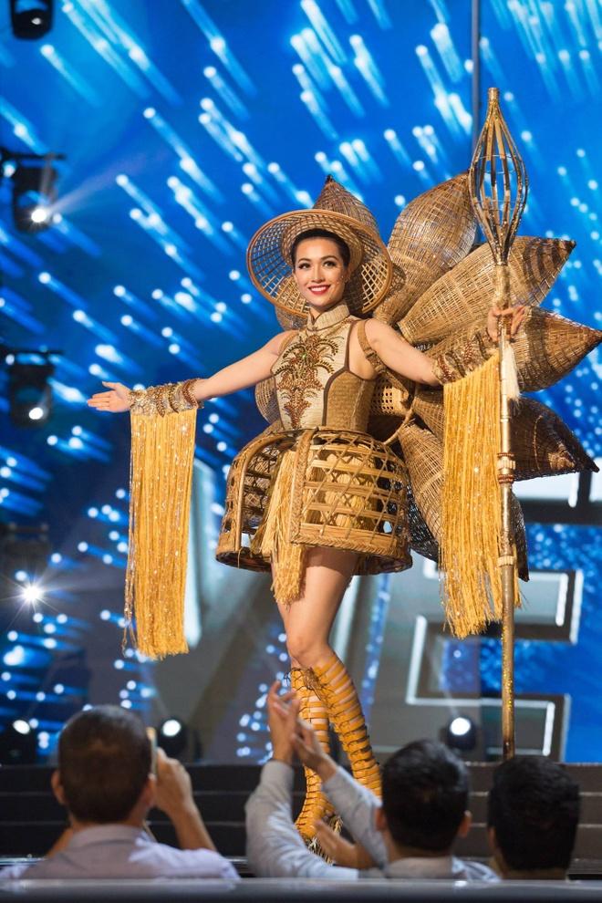 Ban ket Miss Universe: Le Hang gay tranh cai o cac phan thi hinh anh 3