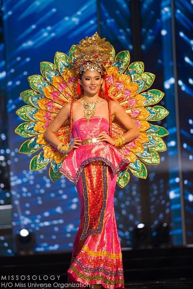Ban ket Miss Universe: Le Hang gay tranh cai o cac phan thi hinh anh 8