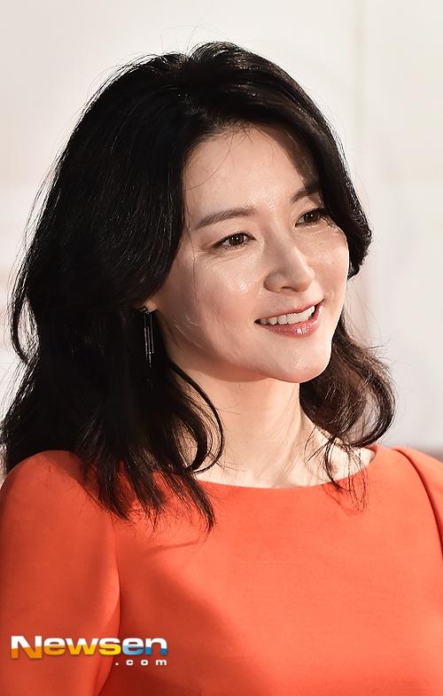 'Quy ba oxy' Lee Young Ae lo nep nhan khi du su kien anh 3