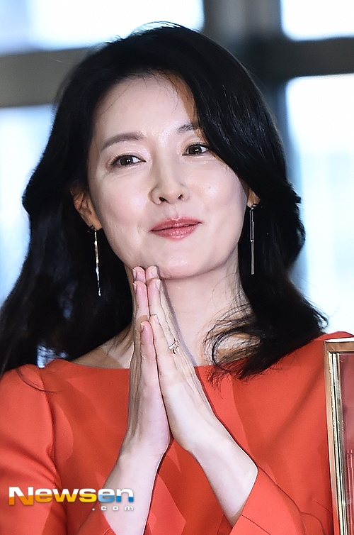 'Quy ba oxy' Lee Young Ae lo nep nhan khi du su kien anh 5