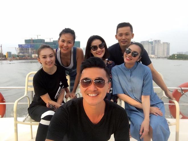 Tang Thanh Ha mang bau 8 thang van du xuan voi chong hinh anh 2
