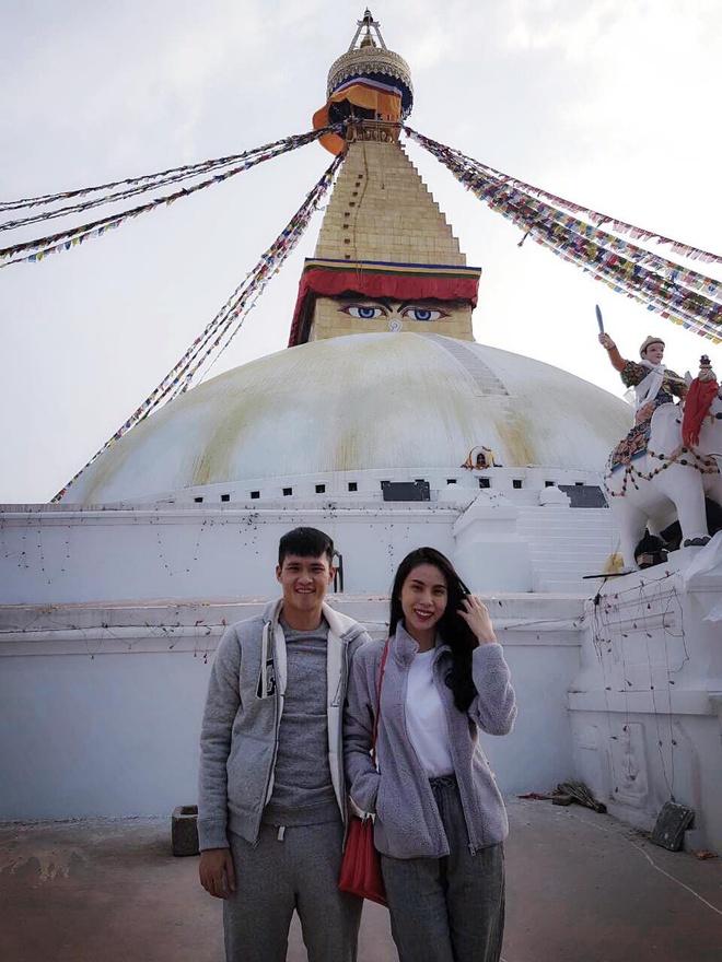 Cong Vinh, Thuy Tien 'than ai nay lo' khi hanh huong o Nepal hinh anh 2