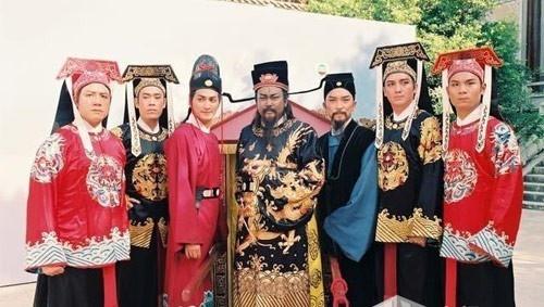 Canh phim ngo ngan trong 'Bao Thanh Thien' 1993 bi nhac lai hinh anh