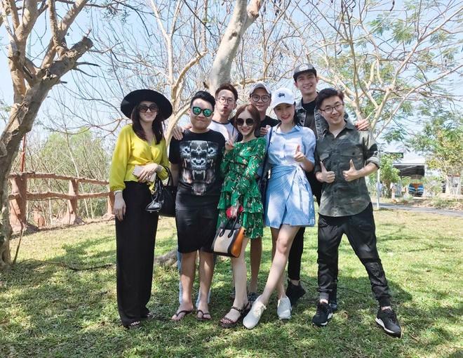 Angela Phuong Trinh di nghi cuoi tuan cung Vo Canh hinh anh 1