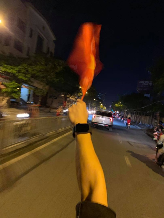 Hang loat sao Viet xuong duong di bao mung chuc vo dich AFF Cup 2018 hinh anh 16