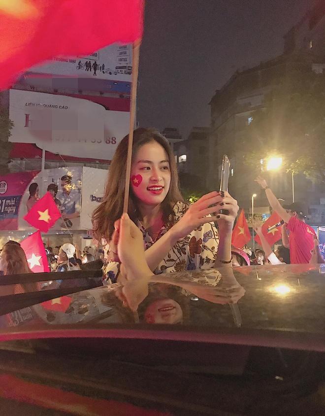 Hang loat sao Viet xuong duong di bao mung chuc vo dich AFF Cup 2018 hinh anh 13