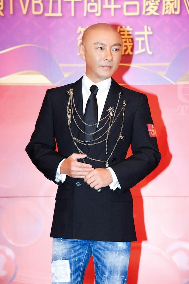 Truong Ve Kien: Tuoi 52 ha cat-xe, quay ve TVB dong phim hinh anh 1