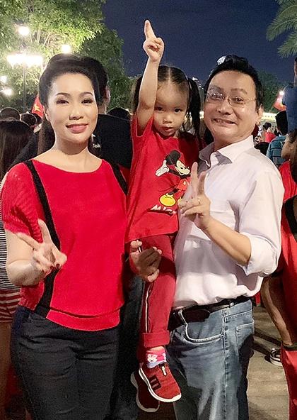 Hang loat sao Viet xuong duong di bao mung chuc vo dich AFF Cup 2018 hinh anh 15