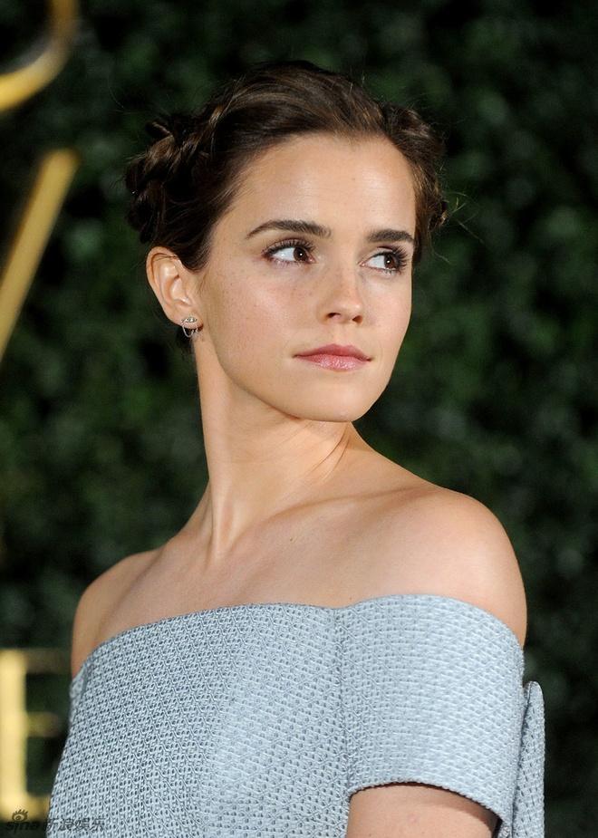 Emma Watson long lay nhu cong chua tham do hinh anh 5