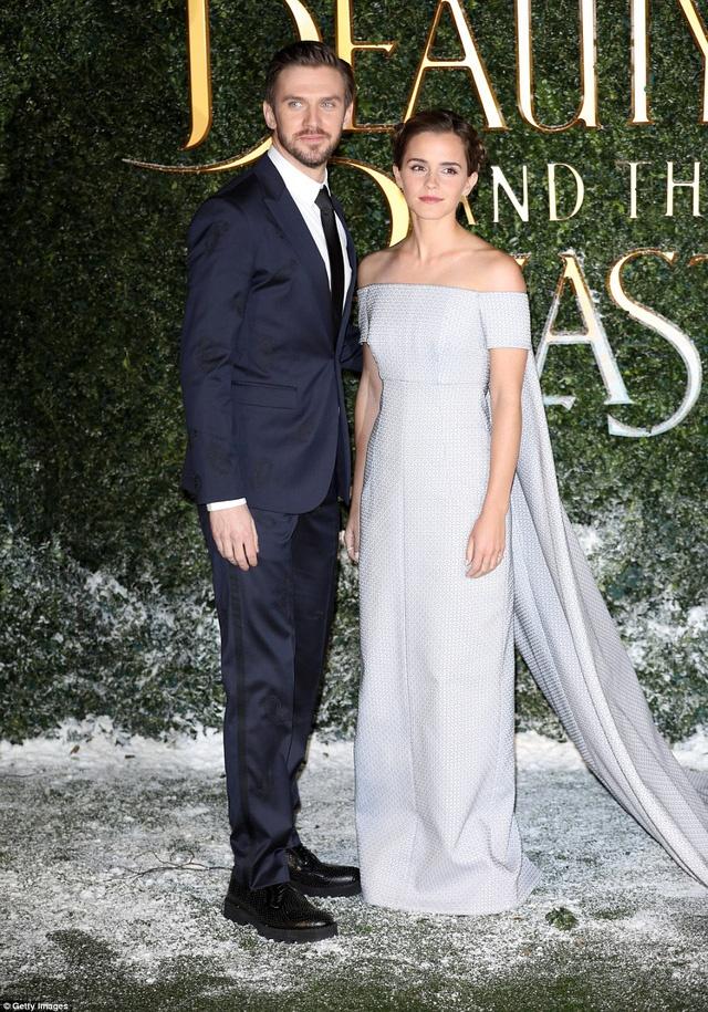 Emma Watson long lay nhu cong chua tham do hinh anh 8