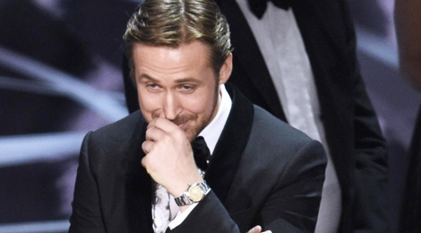 Nu cuoi kho hieu cua Ryan Gosling tai su co Oscar hinh anh