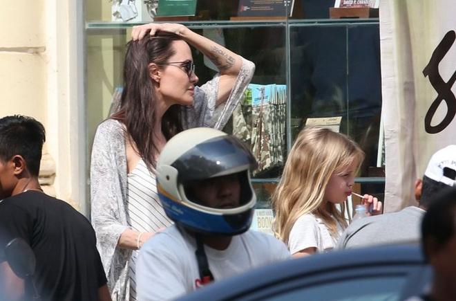 Angelina Jolie ngot ngao khi xuat hien ben nguoi tinh tin don hinh anh 4