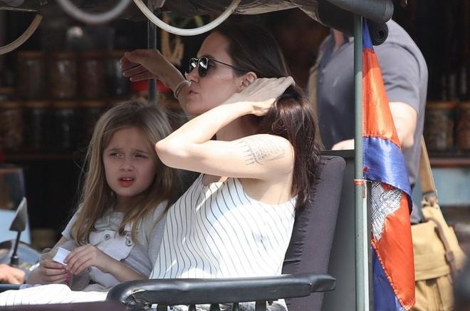 Angelina Jolie ngot ngao khi xuat hien ben nguoi tinh tin don hinh anh 5