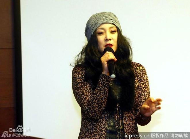 Cuoc song chat vat nuoi chong tu toi cua giai nhan 'Hong lau mong' hinh anh 4